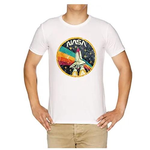 camiseta blanca de la nasa con cohete espacial en ropa de la nasa en dealiens.shop